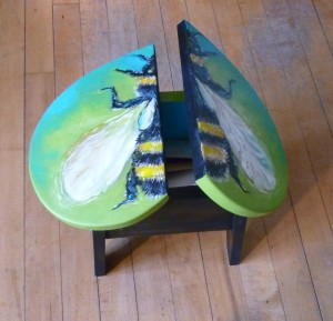 TAKE-OFF BEE TABLE